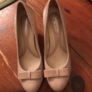 Tan heels size 7M